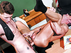 Barrette Scores With His Perspired Teacher's Ass Too! Not To Miss!