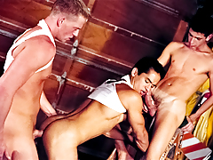 Join-In For A Steamy Threesome With Big Muscled Hunks On Cam