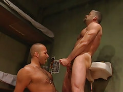 Mature faggot cums on hairy dude