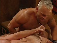 Hairy muscle dilf cums in groupie