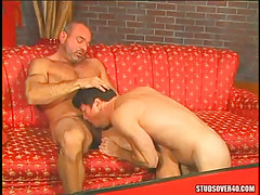 Old bear gay sucked by concupiscent dilf