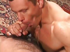 Hot muscle faggot sucks bear colleague