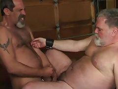 Mature wavy twink cums on old plump gentleman